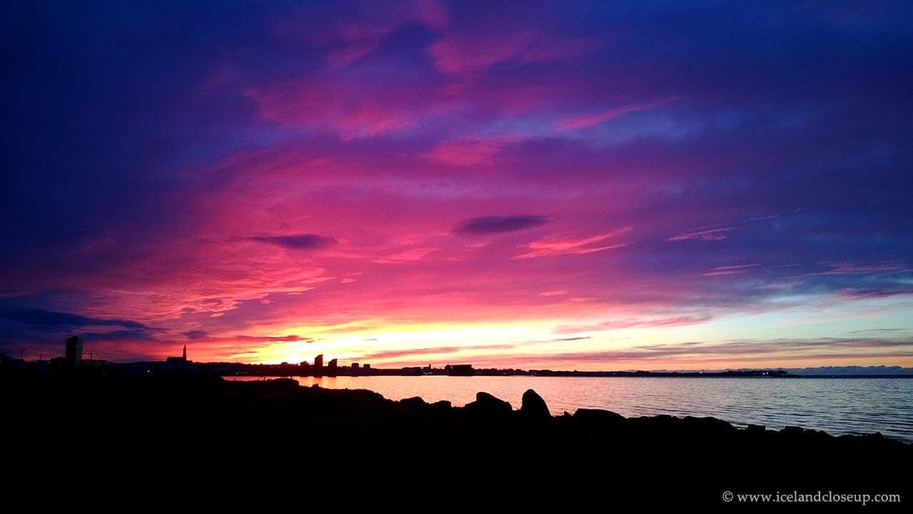 Icelandcloseup.com_Midnight Sun 03