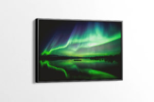 Striking Northern Lights at Lake Þingvellir Canvas Print