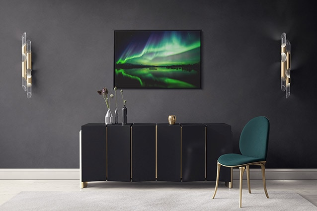Striking Northern Lights at Lake Þingvellir Canvas Print
